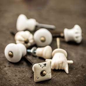 Hooks & doorknobs